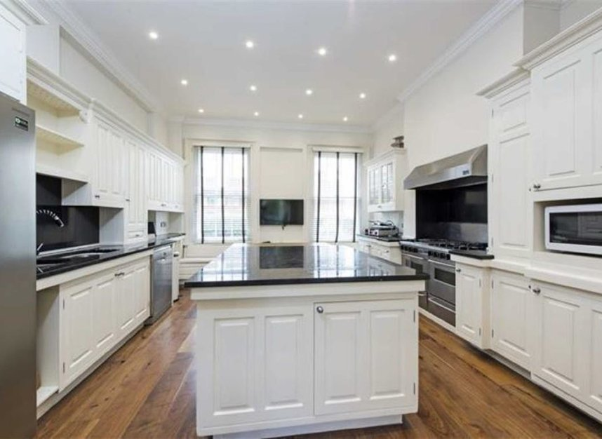 Properties to let in Thurloe Place - SW7 2SP view4