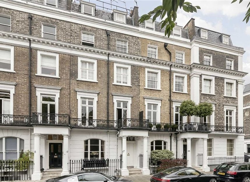 Properties to let in Thurloe Square - SW7 2SX view1