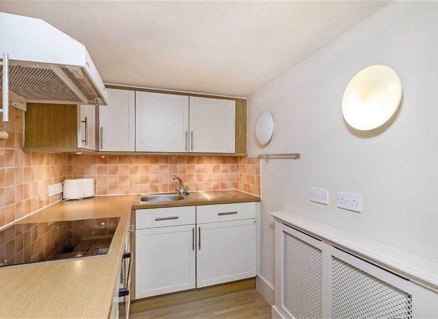 Properties to let in Thurloe Square - SW7 2SX view3