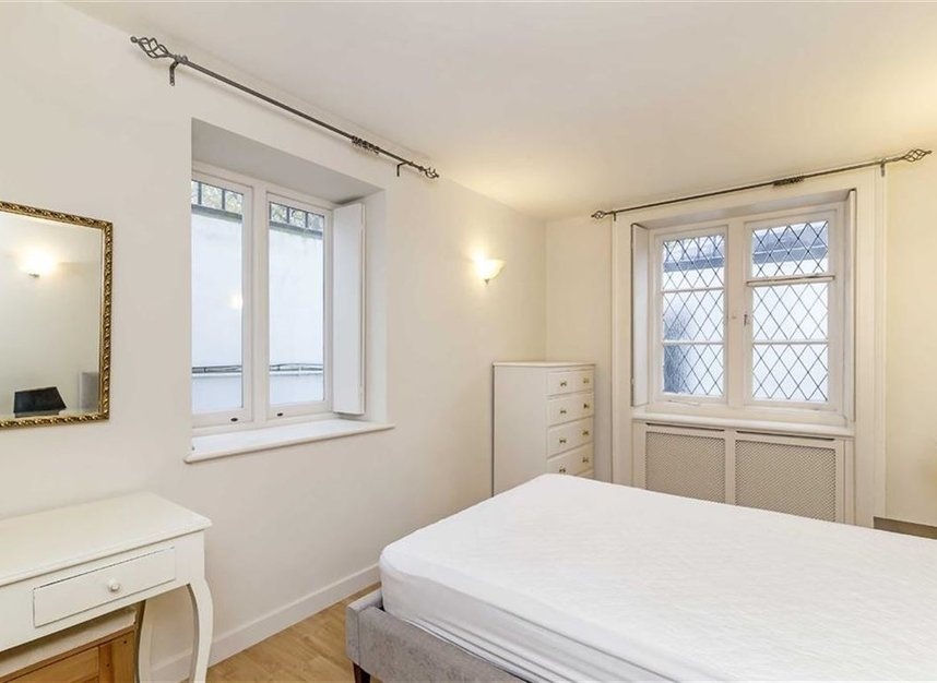Properties to let in Thurloe Square - SW7 2SX view4