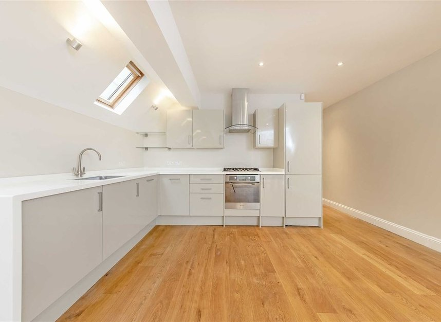 Properties to let in Tynemouth Street - SW6 2QS view4