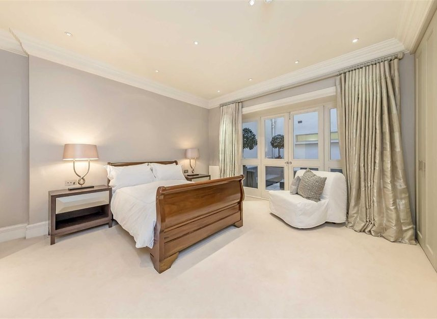 Properties to let in Upper Grosvenor Street - W1K 2NA view6