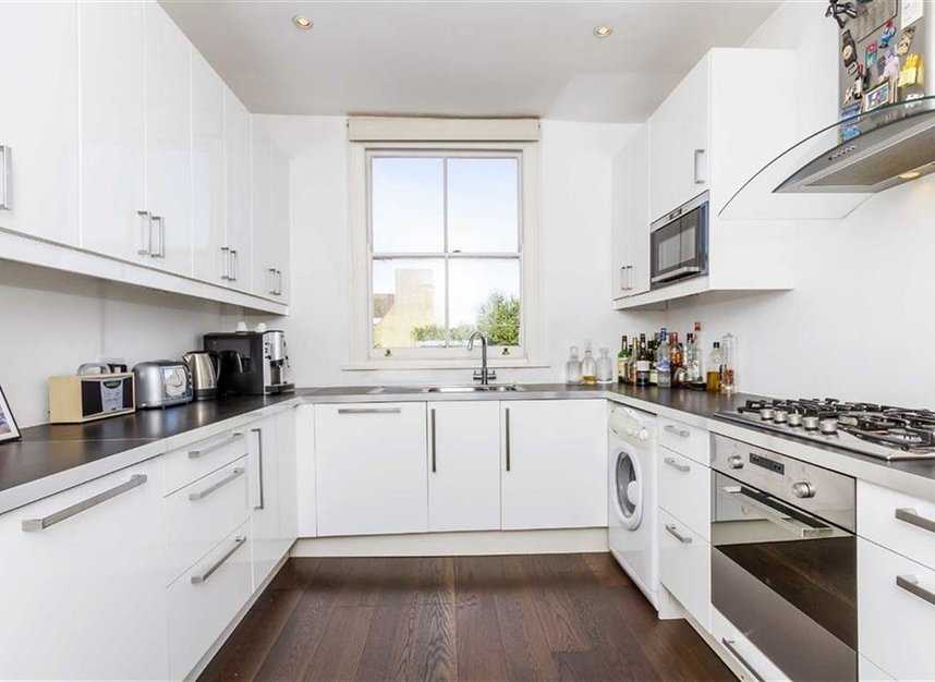 Properties let in Upper Street - N1 1RU view4