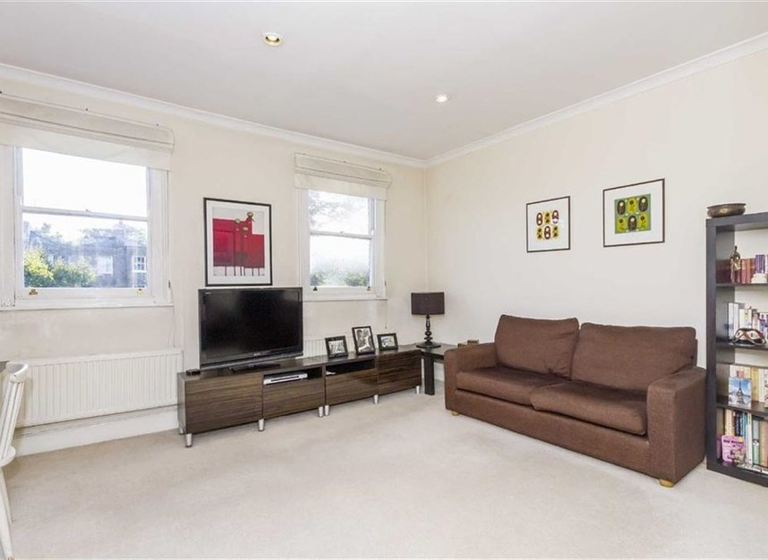 Properties let in Upper Street - N1 1RU view1