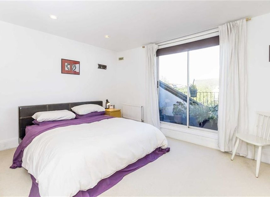 Properties let in Upper Street - N1 1RU view5