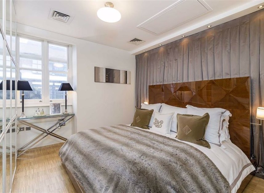 Properties to let in Wardour Street - W1F 0UF view4