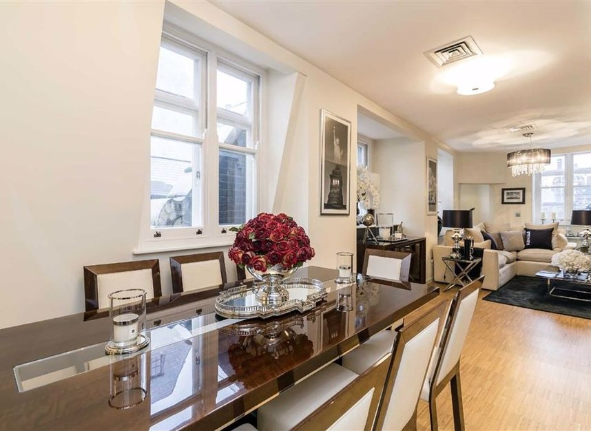 Properties to let in Wardour Street - W1F 0UF view2