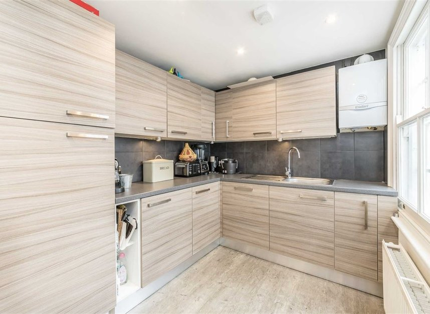 Properties to let in Westbourne Grove - W11 2SE view6