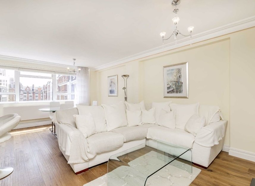 2 Bedrooms 1 Bathrooms short let flat to rent in Weymouth Street - W1G 6NU view2