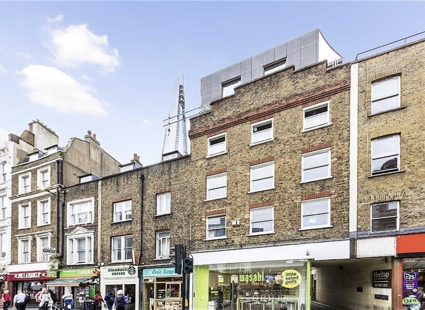 Properties let in White Hart Yard - SE1 1NX view1