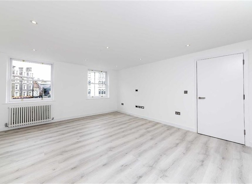 Properties let in White Hart Yard - SE1 1NX view2