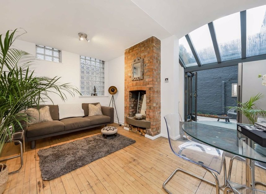 Properties let in White Lion Street - N1 9PP view1