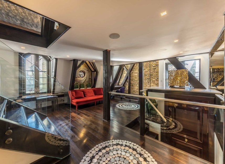 Properties to let in Whitehall Court - SW1A 2EL view3