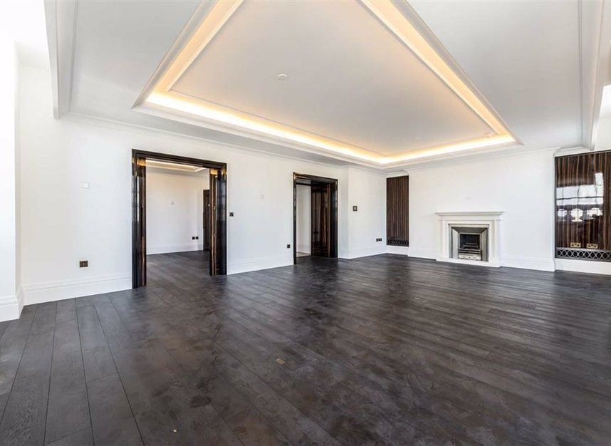 Properties to let in Whitehall Place - SW1A 2BD view1
