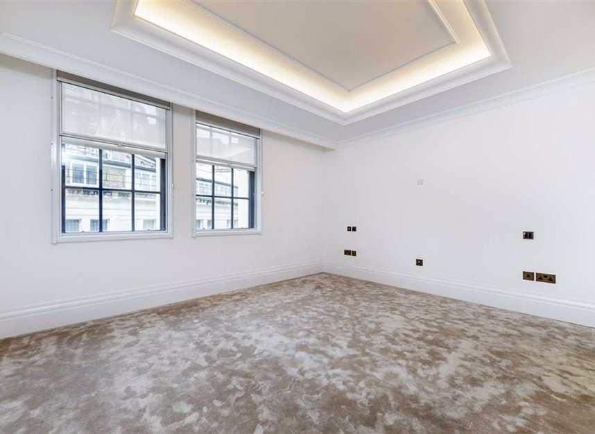 Properties to let in Whitehall Place - SW1A 2BD view8