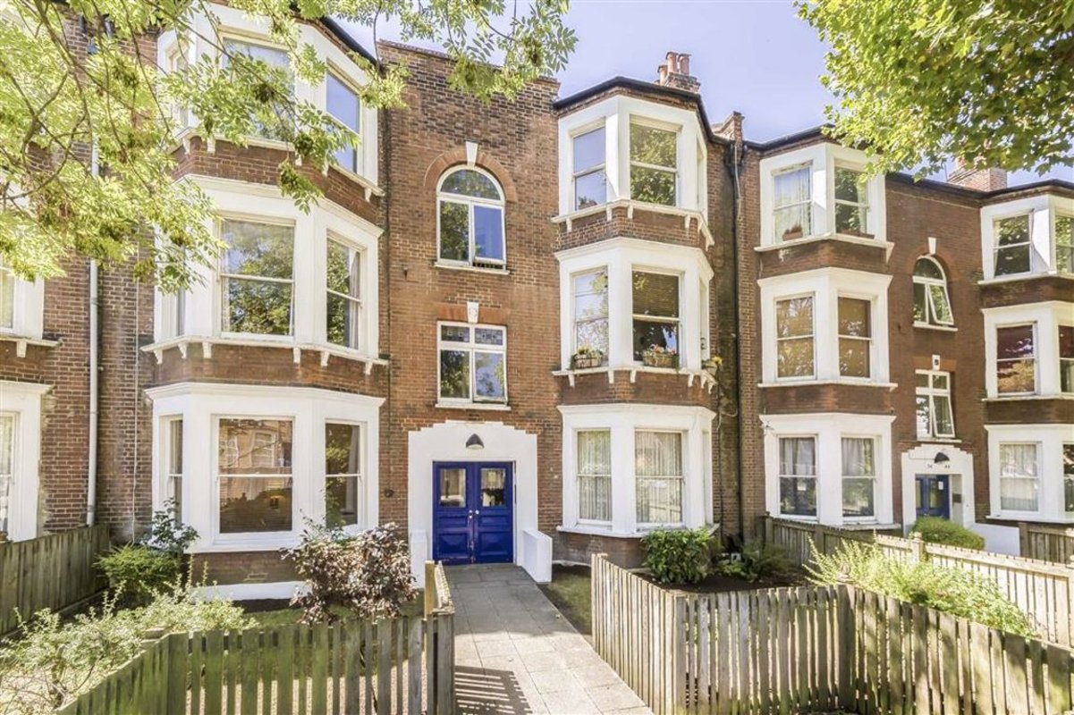 Flat for sale in Bonneville Gardens, London, SW4 | Dexters