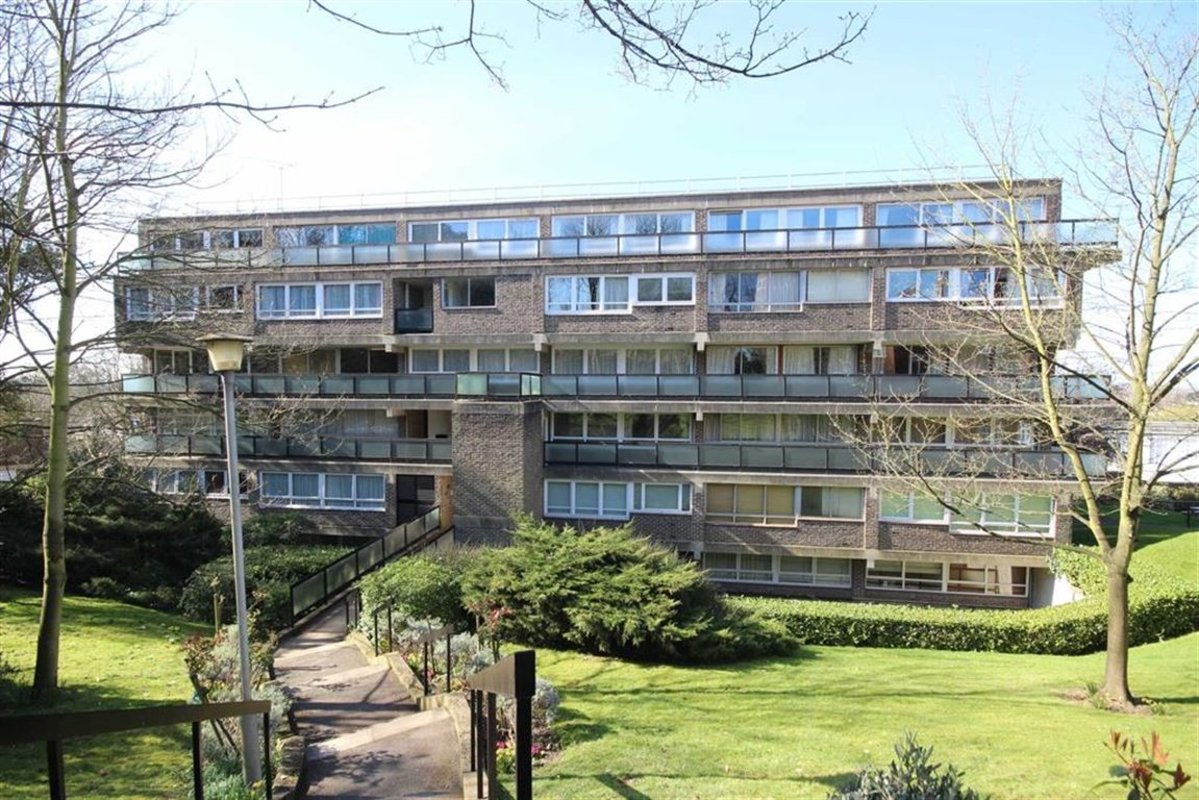 Flat for sale in howson terrace richmond tw10 dexters for 10 richmond terrace