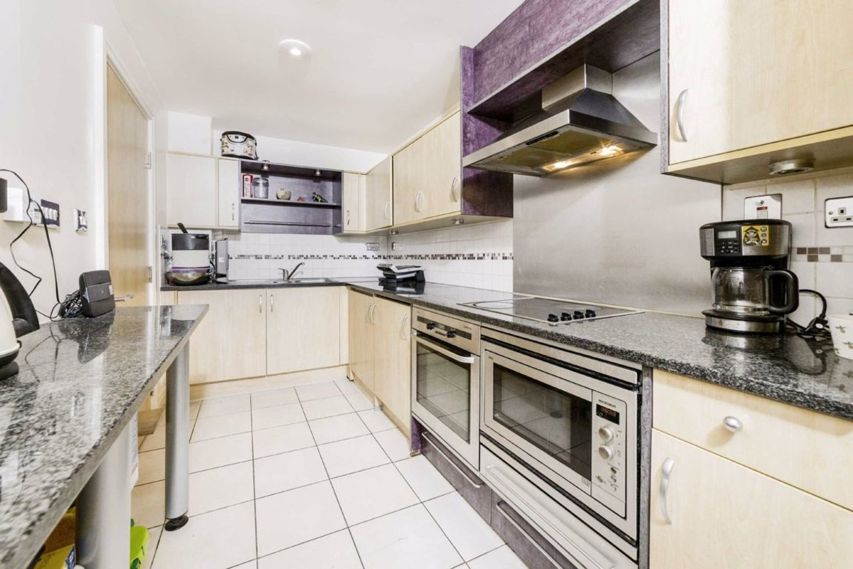Flat For Sale In Smugglers Way London Sw18 Dexters