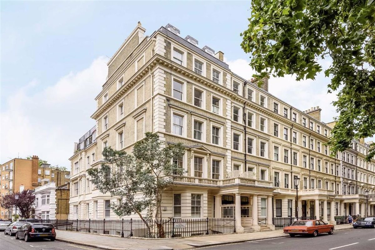 Flat to rent in Ashburn Gardens, London, SW7 | Dexters