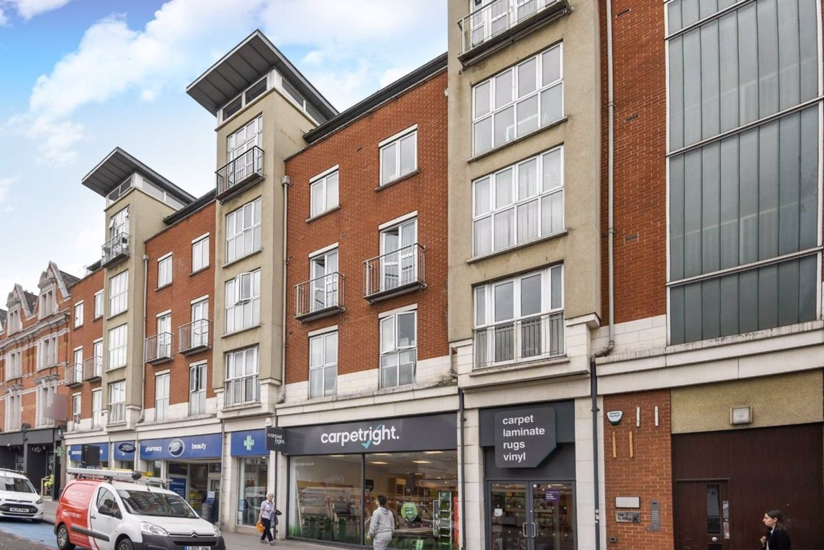 Flat to rent in Clapham High Street, London, SW4 | Dexters