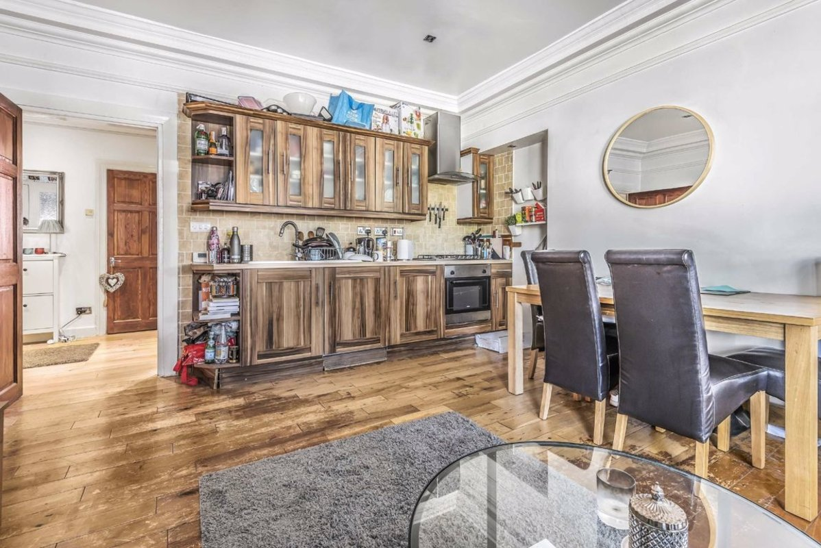 Flat to rent in Clapham Road, London, SW9 | Dexters