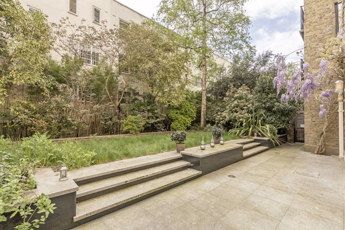 Flat to rent in Eaton Square, London, SW1W | Dexters